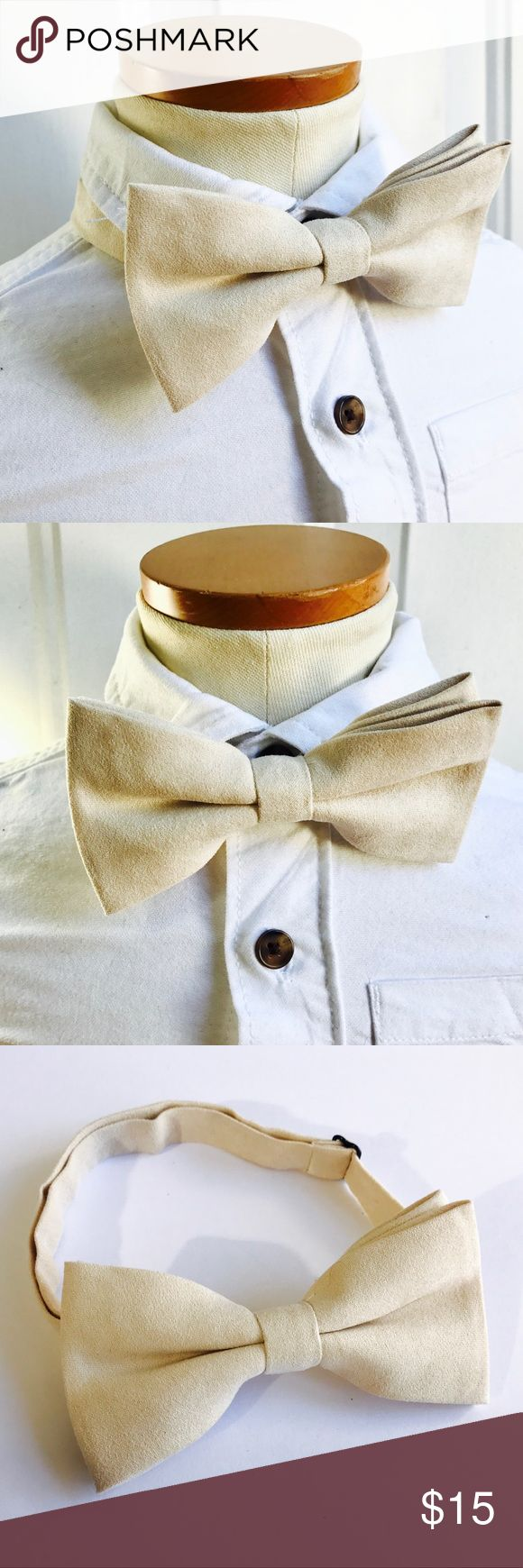 Cream bow tie,ivory bow tie,velvet bow tie,bowties Gorgeous  creamy white velvet bow tie, perfect form at occasion specially holidays season. One sizes fits most from ages 4 months to adult, adjustable necktie. Accessories
