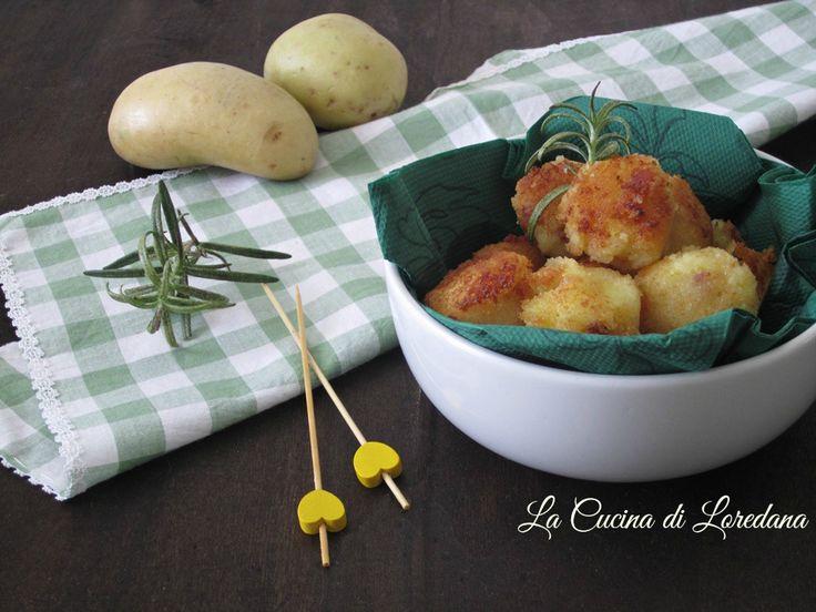 Sono semplici e veloci da preparare queste sfiziose ed irresistibili Polpette di patate squisite da mangiare in un solo boccone