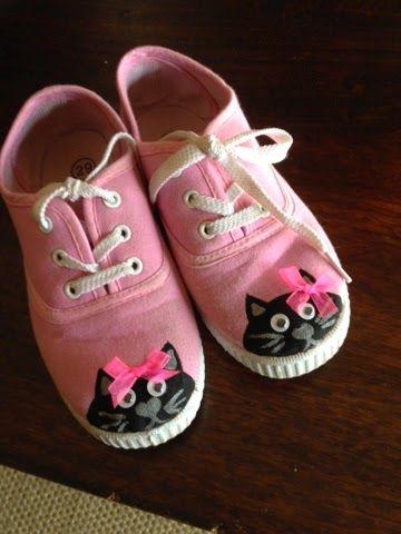 Zapatillas pintadas a mano.gatos