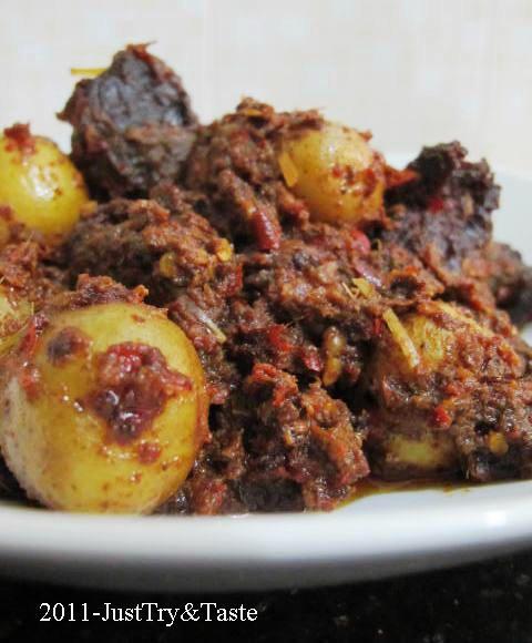 Just Try & Taste: Rendang Daging Sapi & Kentang