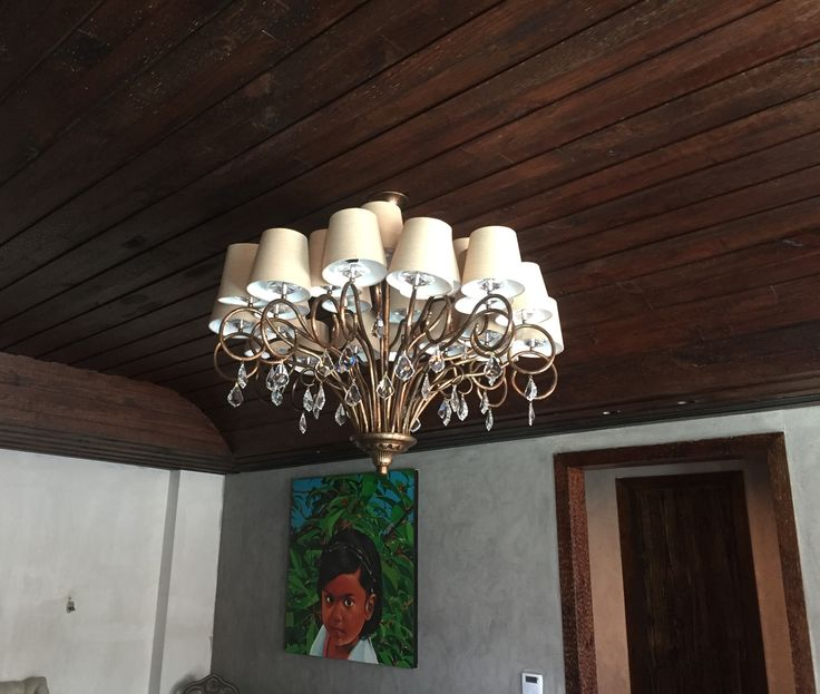 Lucere comes up with its customised chandelier studded with World's No. 1 Asfour crystal at the clients' residence.