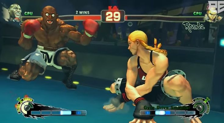Floyd Mayweather contra Ronda Rousey em Street Fighter IV