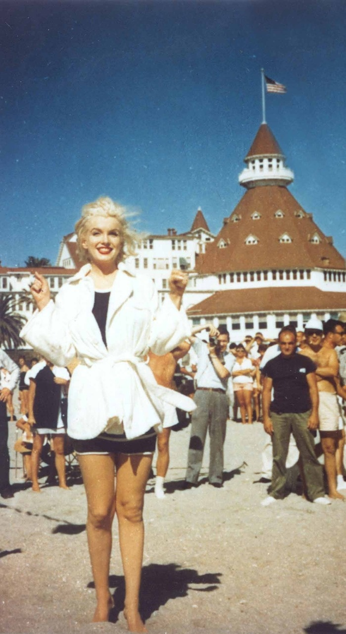 """Marilyn Monroe on beach in front of HOTEL DEL, Coronado Beach, while filming """"Some Like It Hot""""!"""