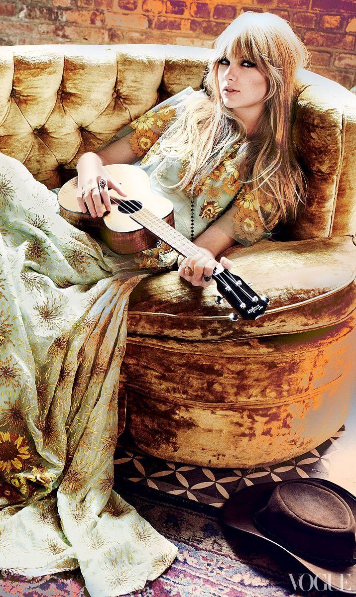 Taylor Swift, Rodarte sunflower-embroidered iridescent silk-chiffon dress. Photo: Mario Terstino. #boho