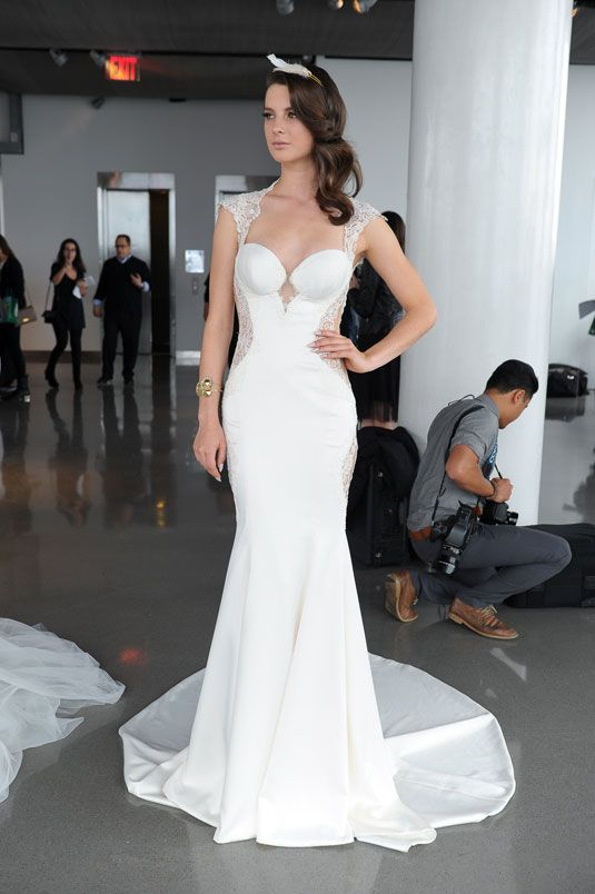 You have to see this fitted lace gown from behind.