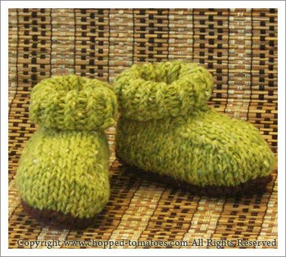 Knitting Pattern Baby Tomato Hat : Greemy Baby Booties by Chopped Tomatoes via Ravelry - free pattern Knitting...