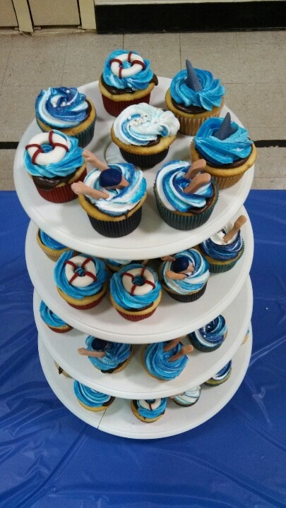 Cupcakes for the Swim Teams end of season banquet!