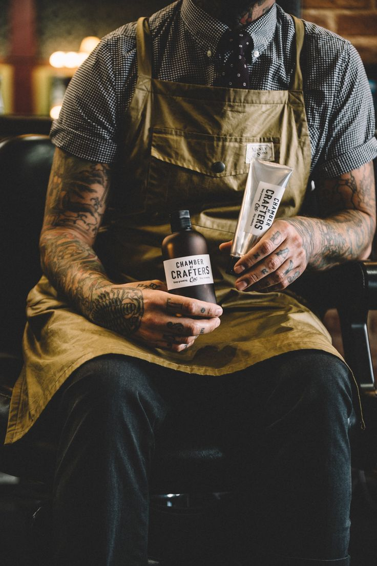 Must have skin care kit in the hands of our barber. Chamber of Crafts. #chamber of crafters #grooming #barbershop #barber #menscare #skin care #beauty #keep prime #crafter #inspiration #new products #japanese #made in Japan #vintage #retro #pin up #men fashion http://chamberofcrafters.com/