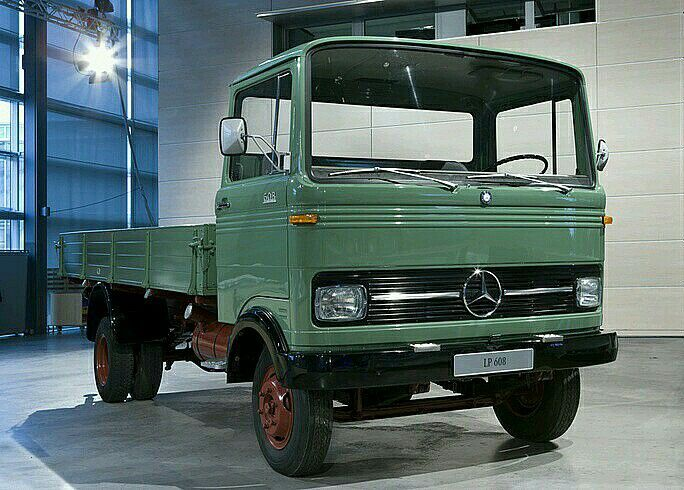 Pin By Vasili On Trucks With Images Mercedes Benz Diesel