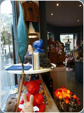 D U R I F I F I ! Quelques ours Ottmar Hörl ont posé leurs valises chez Durififi à Neuilly! www.durififi.fr