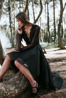 S095 spódnica tiulowa z koła asymetryczna. Czarna.