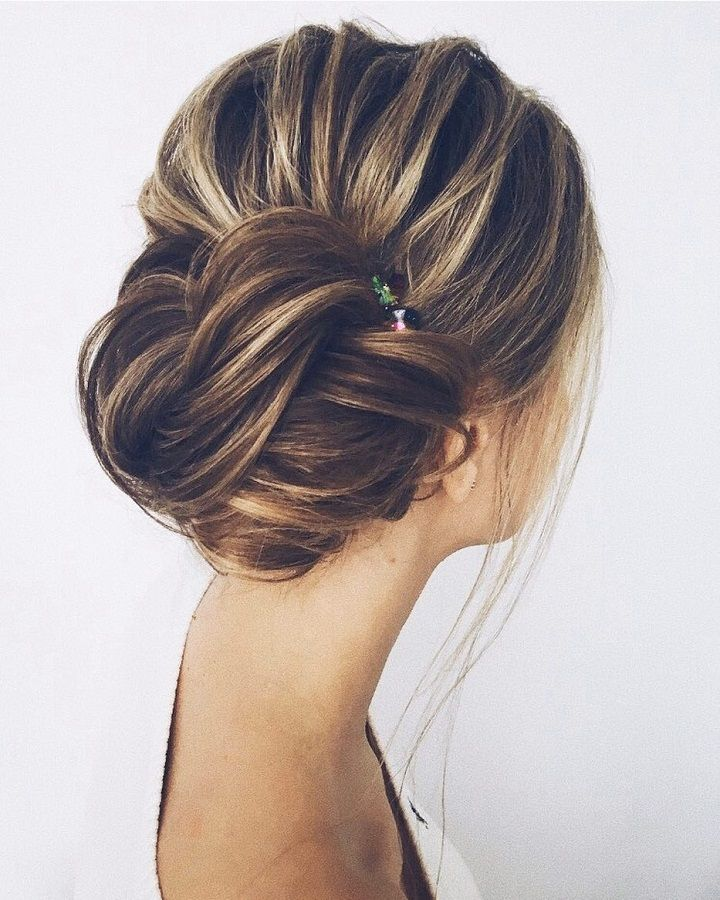 Beautiful & unique updo wedding hairstyle ideas | fabmood.com  messy wedding hair updos, messy updo wedding hairstyles, messy wedding hairstyles long hair, messy hairstyles for indian wedding, messy bridal bun, curly updo wedding hairstyles
