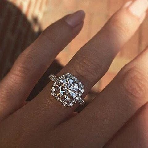 Tacori Dantela Diamond Engagement ring