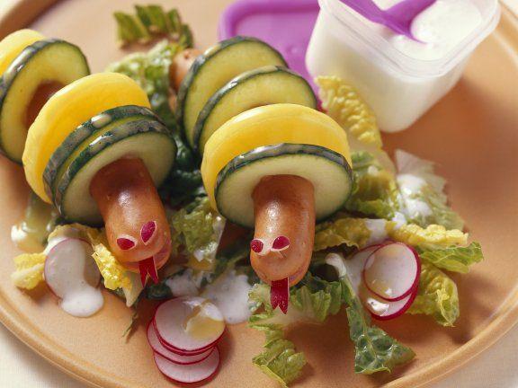 Rezept: Wiener Würstchen mit Kartoffel- und Gurkenscheiben