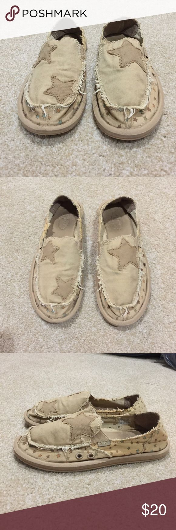 Women's Sanuk shoes Women's Sanuk shoes, size 7. Good gently used condition. 30% off 3+ items in my closet. BUNDLE & SAVE!! Sanuk Shoes Flats & Loafers