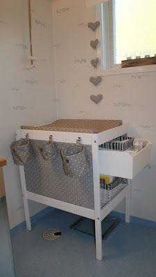 Skötbordet Sniglar från Ikea, låda Pax