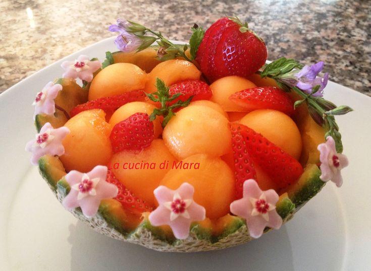 Con l'arrivo della bella stagione cosa c'è di meglio di un cestino di frutta fresca.