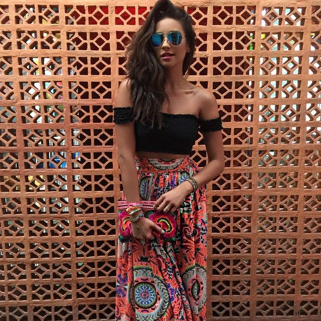 Shay Mitchell Is On Vacation Right Now Looking Like A Literal Goddess