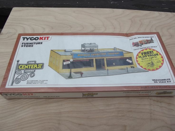 Tyco Ho Scale Furniture Company Illuminated Model Train: scale model furniture