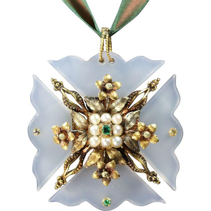 Georgian Gold Chalcedony Maltese Cross Circa 1820 Religious cross jewelry at www.rubylane.com @rubylanecom #crucifix #christianity