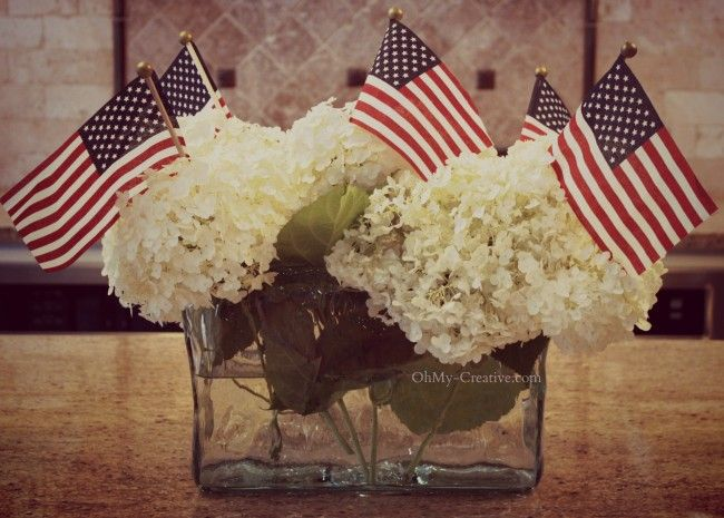 Patriotic Flag Centerpiece - Ohmy-creative.com