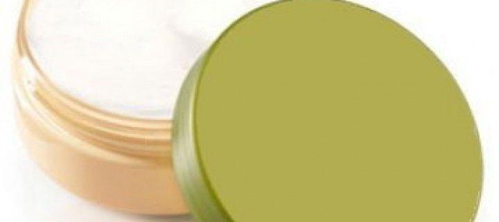 Baume réparateur pour mains et lèvres gercées: recette maison en 5 minutes top chrono!