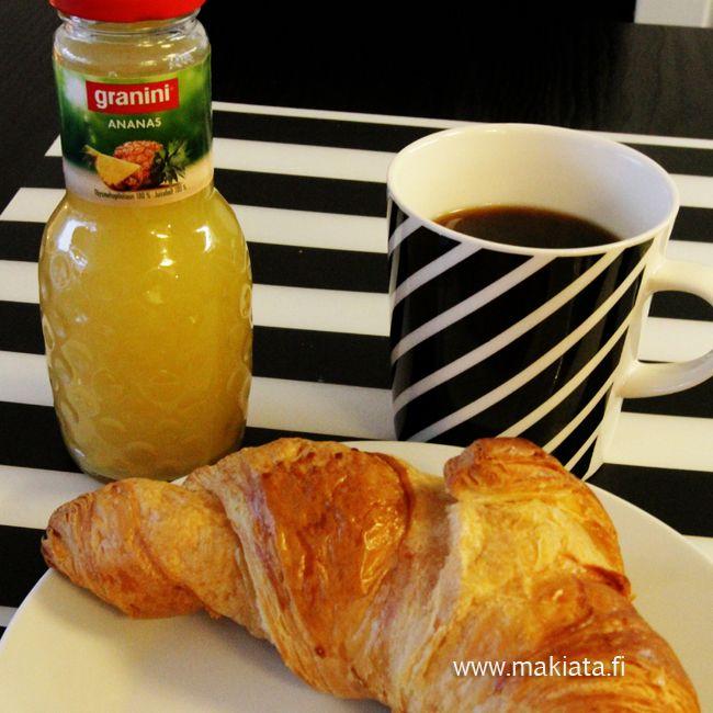 Croissant-aamiainen