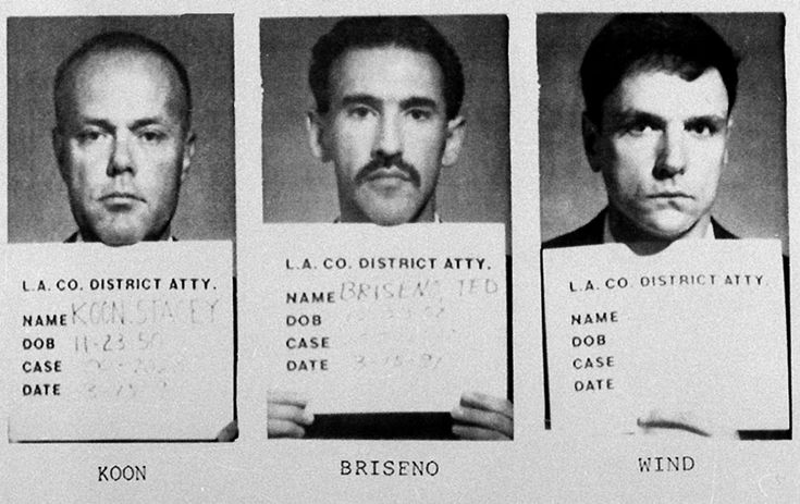 Four LAPD Officers Who Beat Rodney King Are Acquitted, Prompting Riots