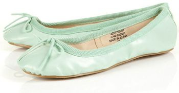 7. Topshop Mint Green Ballet Pumps    Price: $32.00 at us.topshop.com  Mint green clothes aren't the only way to wear this colour. These mint ballet flats are great for …