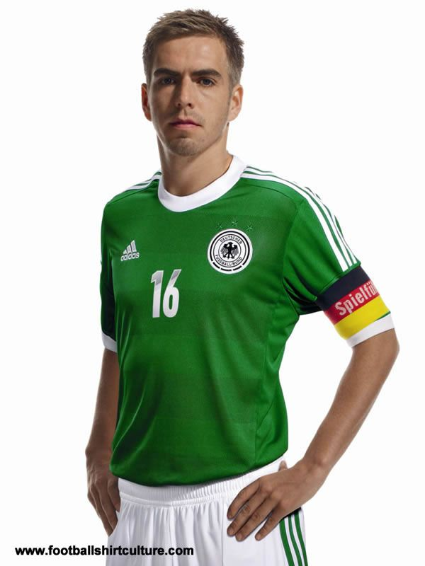 new Germany's second jersey for Euro 2012. The uniform is green, as the historical jersey used in 1972 (40 years ago).