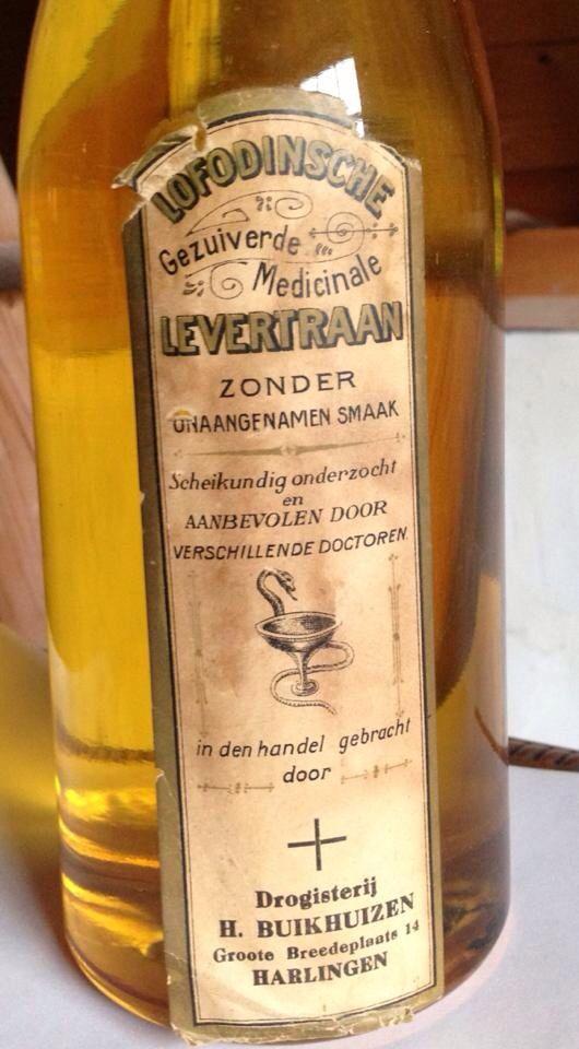 Fles levertraan van drogist Buikhuizen Harlingen