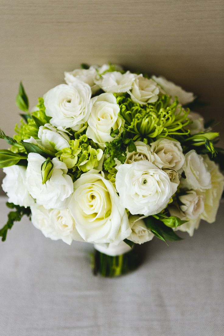 White rose bouquet with pops of green! Photography: JPP Studios - www.jppstudios.com  Read More: http://www.stylemepretty.com/2014/06/16/urban-chic-chicago-wedding/