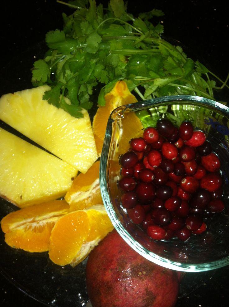 10 Anti-Inflammatory Juice Recipes pineapple parsley papaya kale cranberries cauliflower spinach cilantro #JUICE #JUICING #HEALTH #HAWA