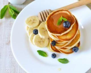 Pancakes à la purée de bananes minceur : http://www.fourchette-et-bikini.fr/recettes/recettes-minceur/pancakes-a-la-puree-de-bananes-minceur.html