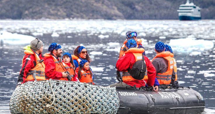 Un expedición en crucero por Patagonia es una excelente forma de viajar en familia. Los más pequeños disfrutan de la aventura, de la naturaleza y de la fauna tanto como sus padres ¡o más! #crucerosPatagonia #crucerosCaboDeHornos #crucerosFiordosYglaciares #viajesEnFamilia #patagoniaEnFamilia