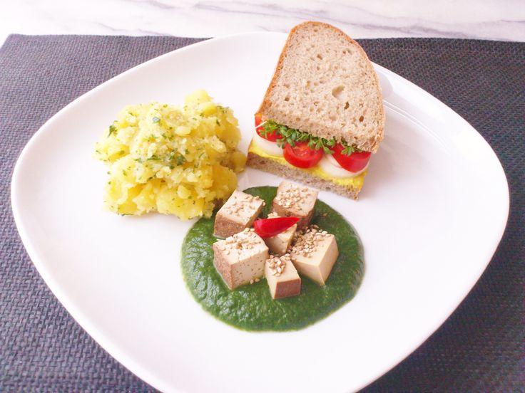 Homemade curry hummus sandwich w/ creamy spinach smoked tofu & parsley potato! #vegan #organic #glutenfree #healthyeating #nutrition #food