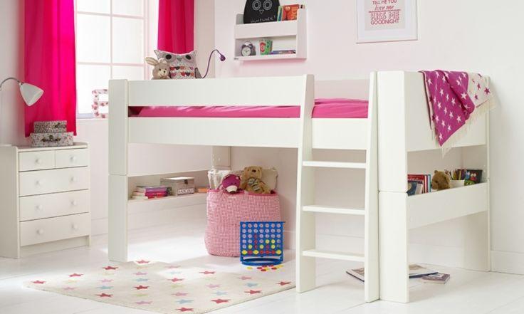 Mädchenzimmer mit rosa Akzenten gestalten - platzsparende Idee