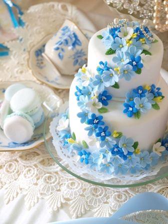 サムシングブルーの小花たち デザイン発表からずっと花嫁様に人気です  Clay Art *ケーキ型リングピロー
