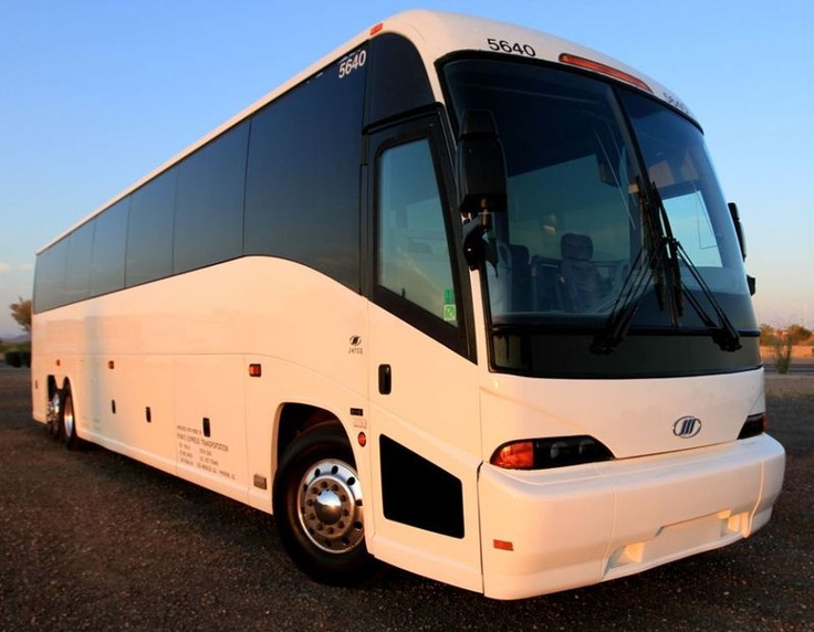 17 Best Images About Luxury Motor Coaches Buses And Big Rigs On Pinterest Peterbilt 379