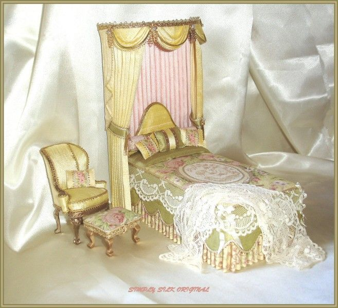 Canopy Beds Canopies Castle Bed Miniature Rooms Miniature Dollhouse Tiny Bedrooms Pure Silk Shabby Chic Doll Houses & 250 best Dollhouse Castle Beds images on Pinterest | Bedrooms ...