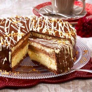 Die Kombination aus zwei Lieblingszutaten sorgt hier für doppeltes Genießerglück: Wir zeigen Schritt für Schritt, wie man eine Schoko-Marzipan-Torte backt.