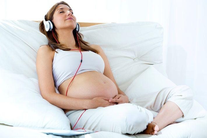 Tecniche Di Rilassamento Per Alleviare Il Travaglio >>> http://www.piuvivi.com/relax/tecniche-rilassarsi-durante-travaglio-doglie-gravidanza.html <<<