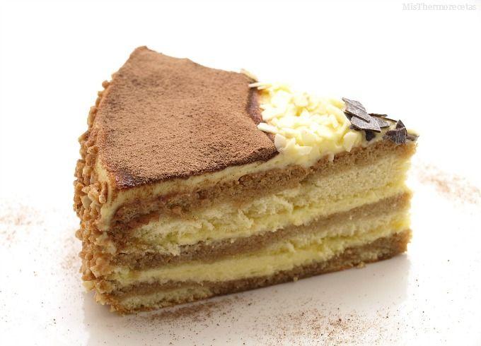 Ya sabéis que nos encanta el tiramisú, pero nunca lo había hecho en forma de tarta. El fin de semana pasado hice este pastel que, aunque no es realmente como el tiramisú, es muy, muy parecido. Ni que decir, que … Continuar leyendo →