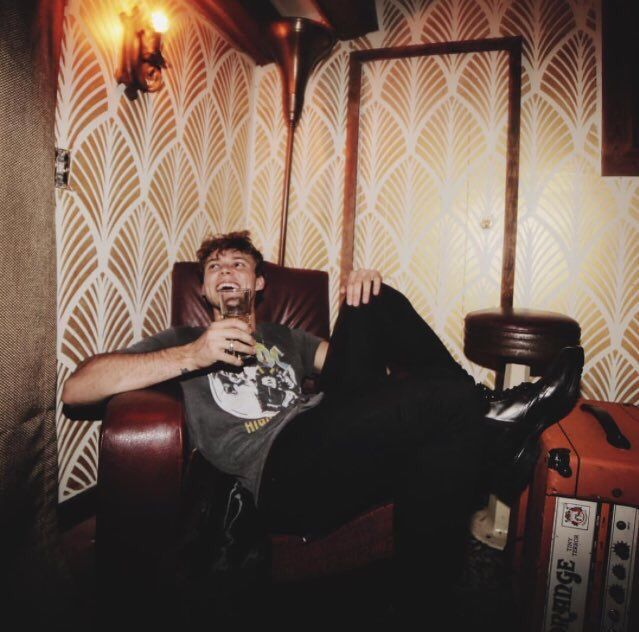 """{FC: Ashton Irwin} """"Hello, there. I'm Ashton. I'm 20 years old, single and form Australia. My little sister is Alex. If you mess with you, you'll have to deal with me. I play drums in a band called 5 Seconds of Summer. I want to spread more positivity, and stop doubting myself from time to time."""""""
