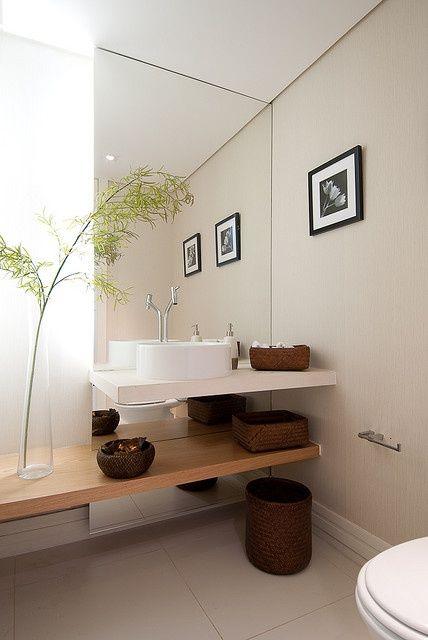 Meia parede de espelho para lavabo com prateleira dupla