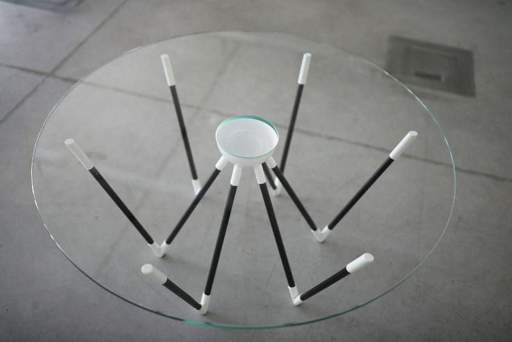 Stolik kawowy Pająk projektu Patrycji Kryszczuk - PLN Design
