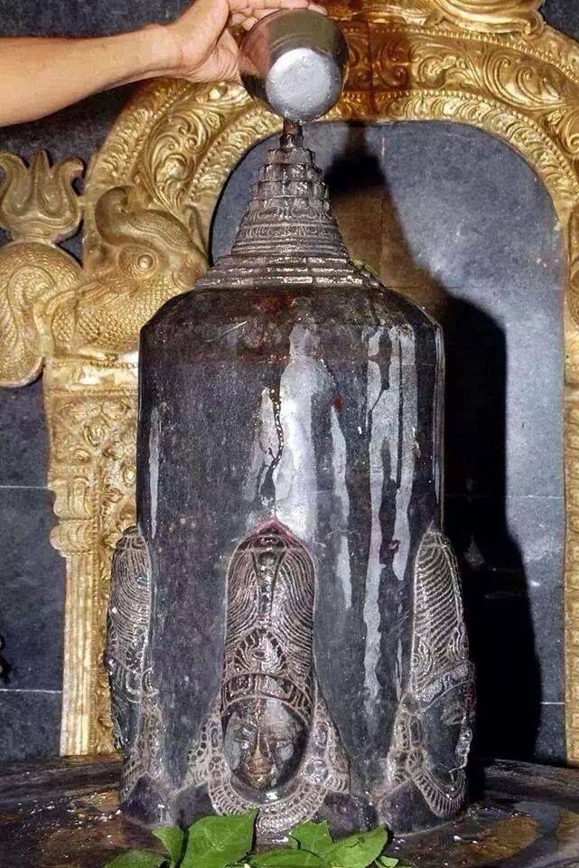 Shiva lingam with Sri Chakra meru