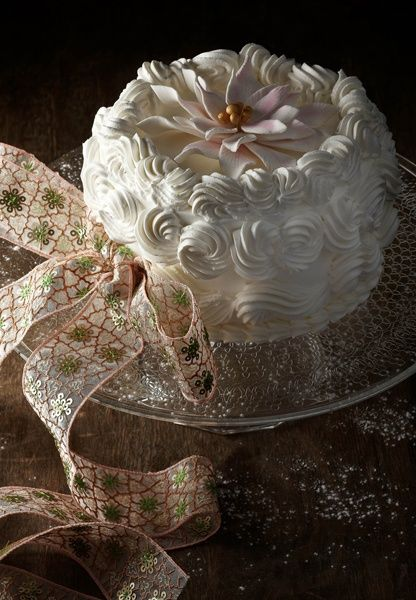 Christmas White Cream Cake