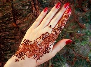 How to make Mehndi Paste at home - 8 steps (with images)