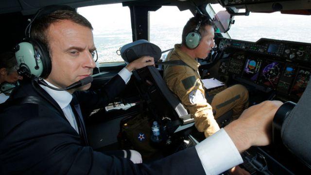 Macron lance le Salon aéronautique du Bourget
